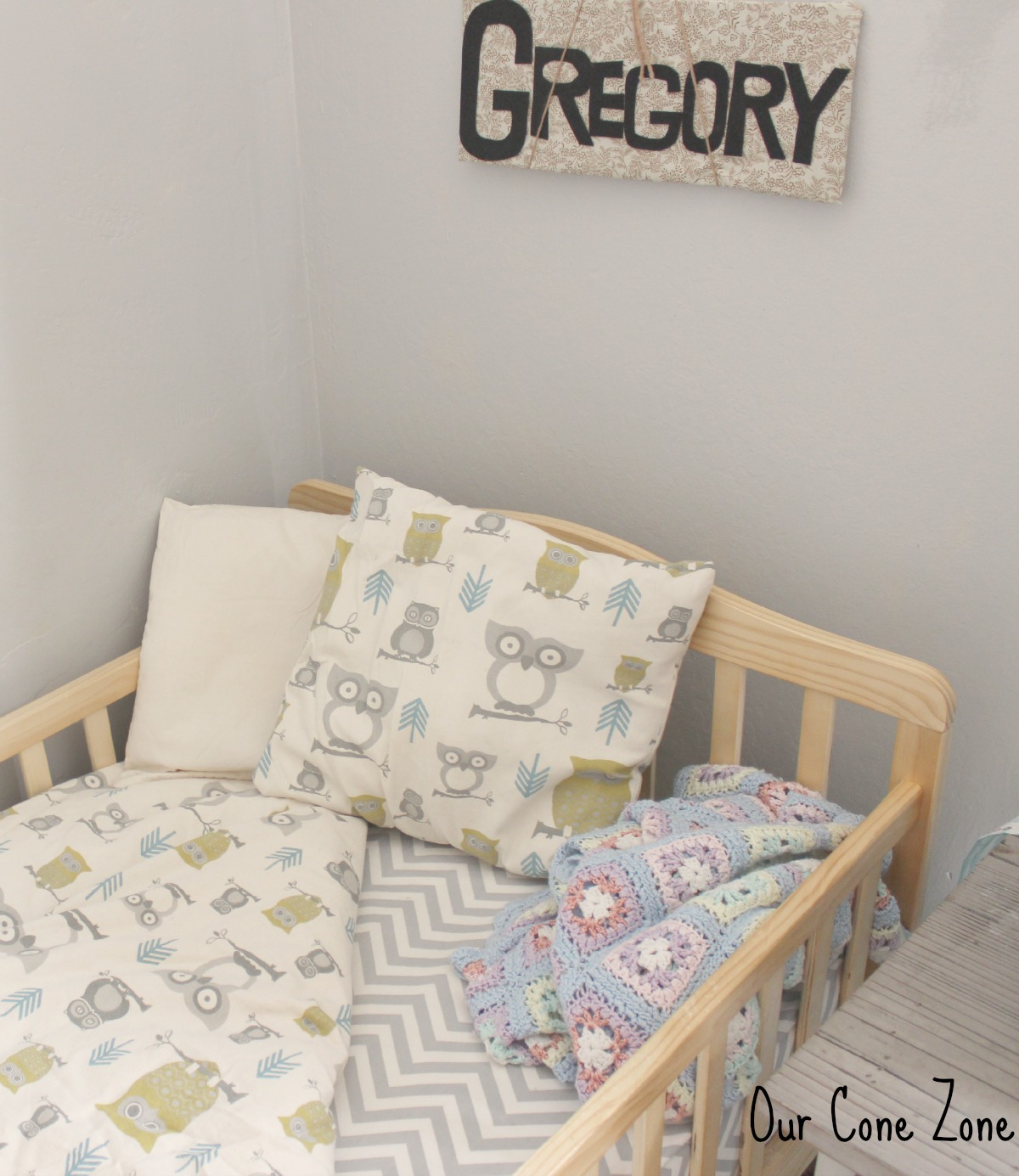 Boys Room Owl Bedding Set signature
