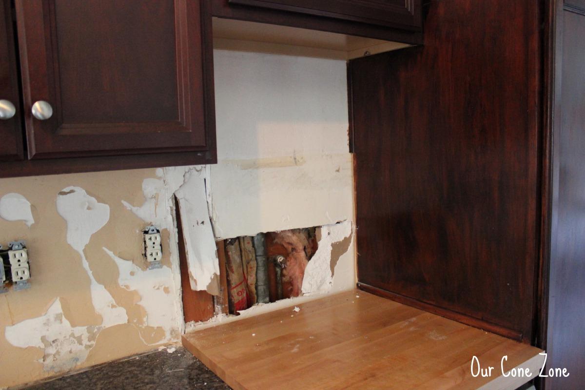 Kitchen Backsplash Side 2 uhoh hole
