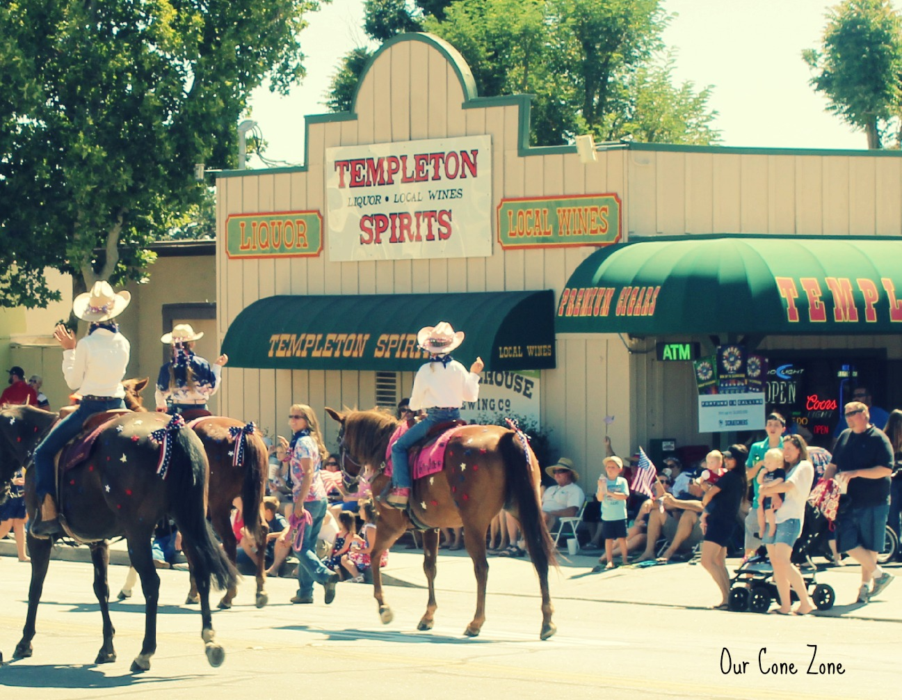 Horses in Templeton Parade