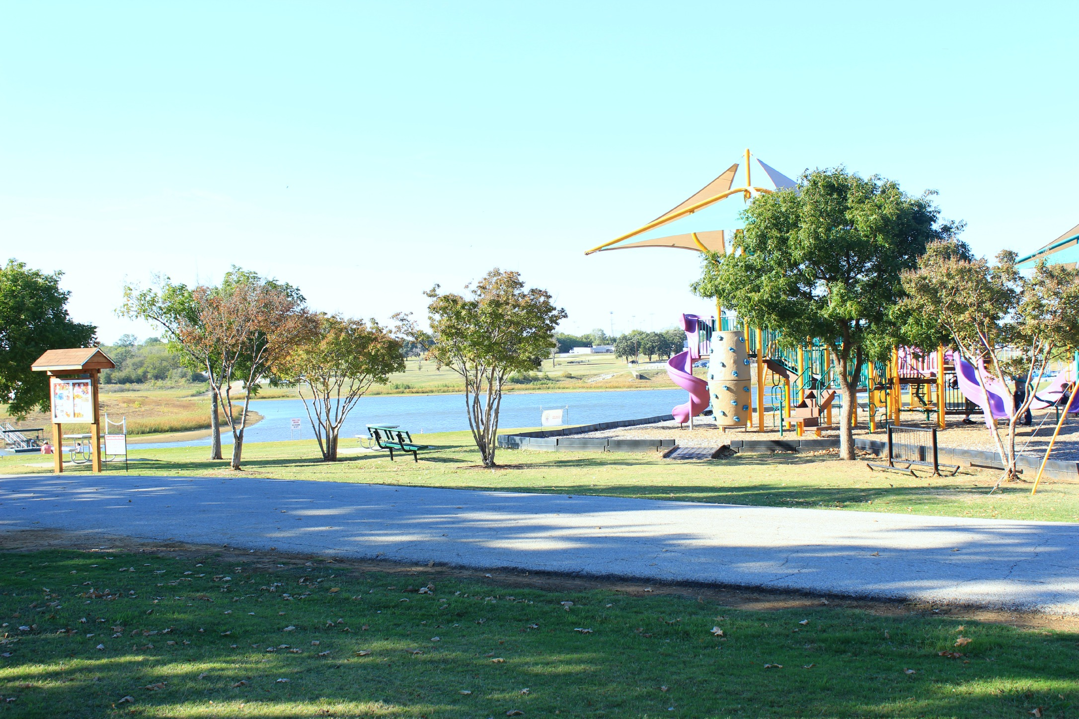 Grapveine Lake playground
