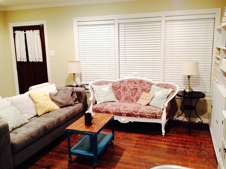 Fuller House living room 1